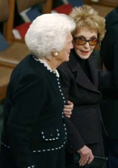 Nancy Reagan and Barbara Bush at the 2007 funeral of former President Gerald Ford; they are the fourth and fifth longest-living First Ladies.
